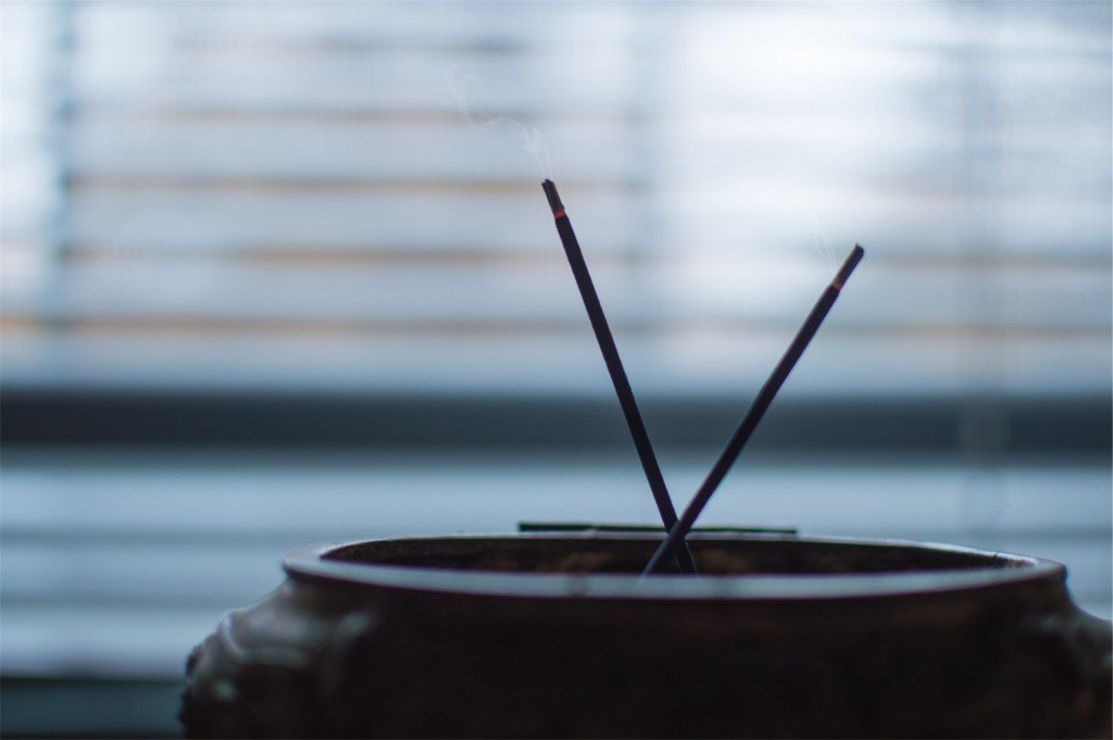 incense_mindfulness_morning_ritual