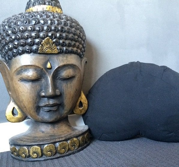 Meditation_Cushion_Home